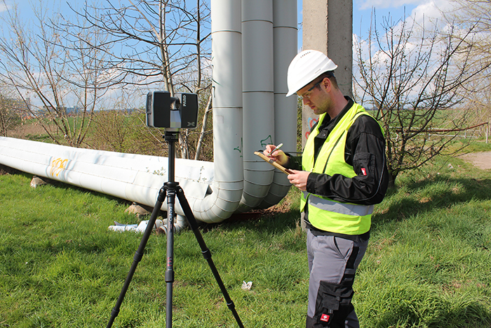 Tube inspection with a FARO Focus 3D laser scanner.